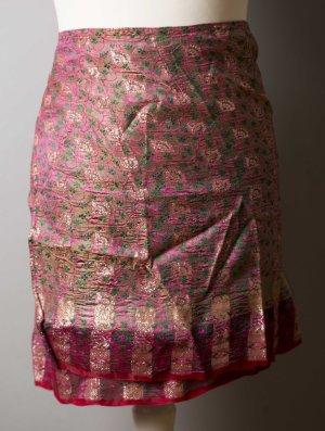 Pinker indischer Wickelrock