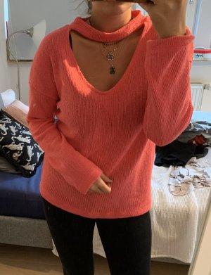 Pinker Pullover mit Dekolleté Detail
