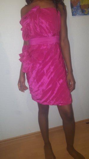 pinkes Apart Kleid