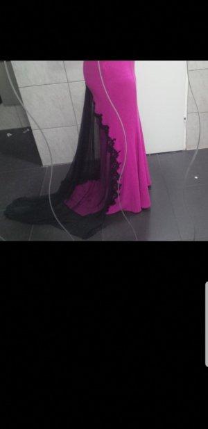 pinkes Kleid mit Schleppe Schwarze Spitze