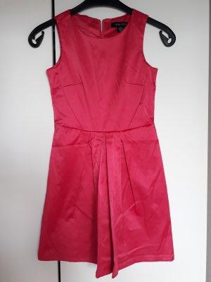 Pinkes Kleidchen