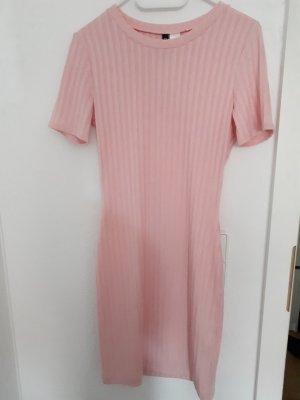 Pinkes MIDI Kleid