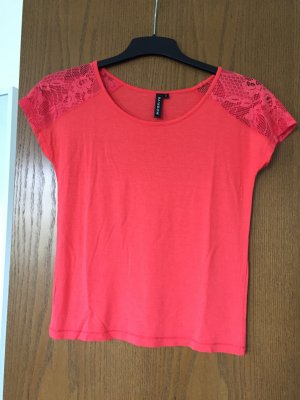 Pinkes Shirt für die warmen Tage