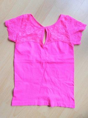 pinkes Shirt mit Spitze