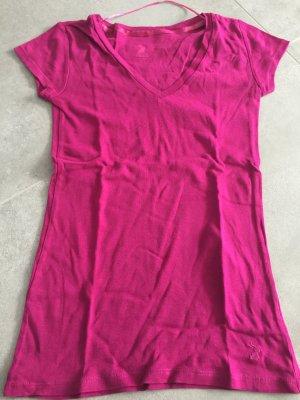 Pinkes Shirt mit V-Ausschnitt
