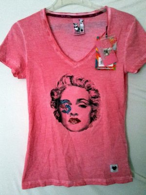Pinkes Tshirt mit Madonna Print, Strasssteinchen und Waschoptik
