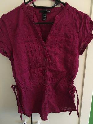 Pinkfarbene Bluse für den Sommer