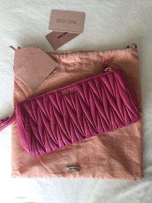 Pinkfarbene clutch von miumiu inkl Staubbeutel
