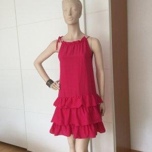 Pinkfarbenes Designerkleid mit Volants