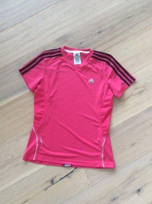 Pinkfarbenes Laufshirt