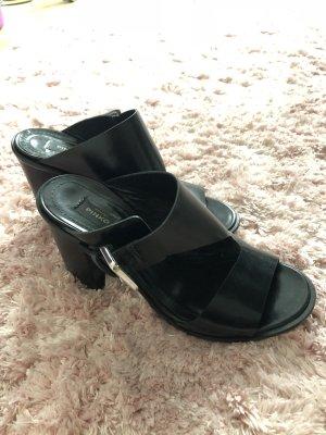 Pinko Sandalo con cinturino e tacco alto nero