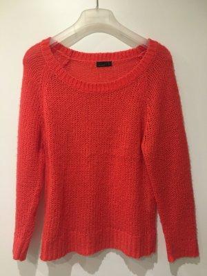 Pinkroter Pullover