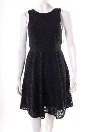 Pins and Needles Vestido de encaje negro estilo clásico