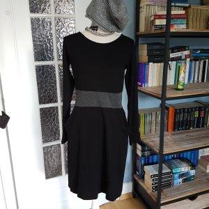 Piu Piu Kleid 40 Schwarz - mit Taschen