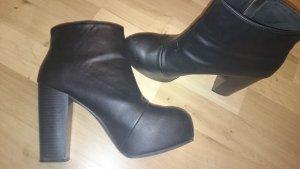 Plateau Ankle Booties H&M DEVIDED schwarz silber sehr gut erhalten