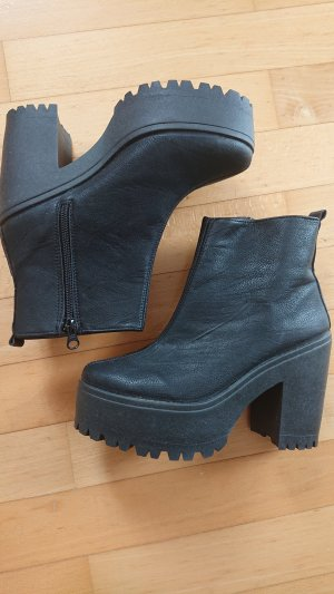 Plateau Ankle Boots