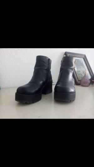 Plateau Ankle Boots Schwarz