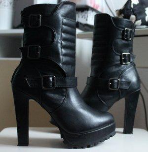 Plateau Boots Utility schwarz Schnallen High Heels