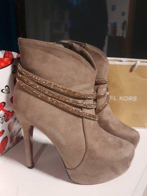 Platform Boots cream-beige