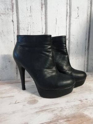 plateau high heels ankle boots