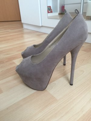 Plateauzool pumps beige