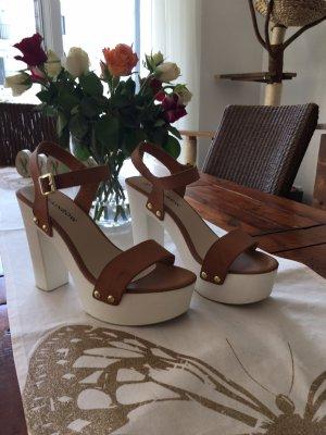 Rainbow Sandales à talons hauts et plateforme brun-blanc cassé faux cuir