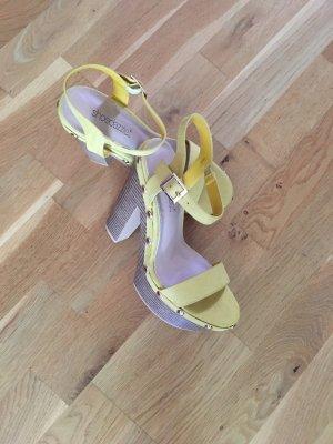 JustFab Plateauzool Sandalen met Hoge Hakken geel-lichtbruin