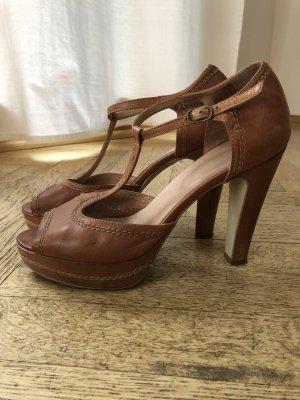 Cox T-Strap Sandals light brown