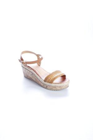 Sandales à talons hauts et plateforme beige-brun style Boho