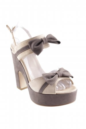 Plateau-Sandaletten creme-grau Street-Fashion-Look