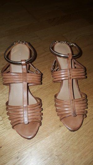 Sandalo con tacco oro
