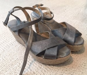 Sandales à talons hauts et plateforme gris-chameau