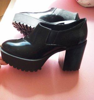 Plateau Schuhe Monki schwarz