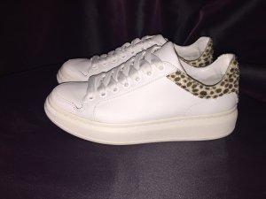 Plateau Sneakers aus Leder