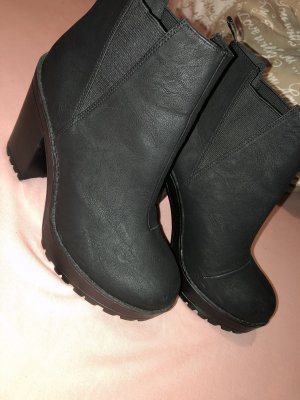 H&M Plateauzool laarsjes zwart