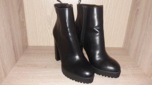 H&M Platform Booties black imitation leather