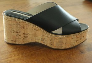 Zara Platform High-Heeled Sandal black-gold-colored leather