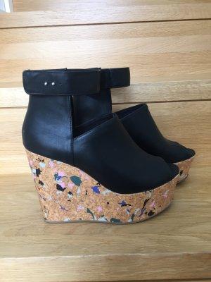 Plateauschuhe/Sandalen mit Korkabsatz in schwarz Größe 39