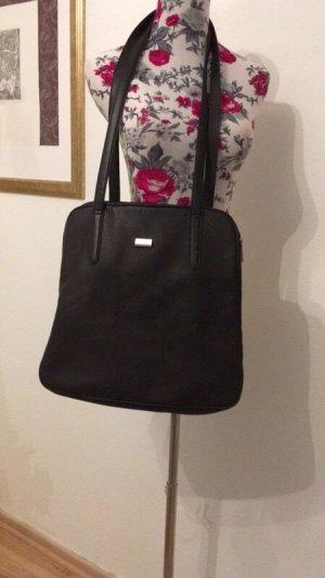 Platzwunder: Tasche von Esprit