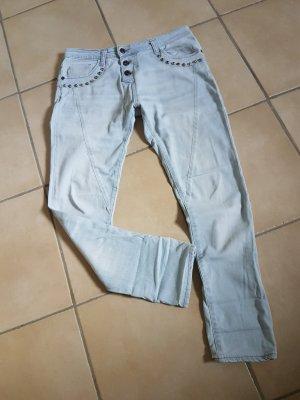 Please Jeans in hell mit Nieten Gr. S