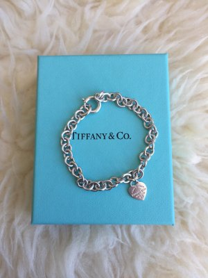 Please Return to Tiffany & Co. Armband mit kleinem Herzanhänger, 925 Silber