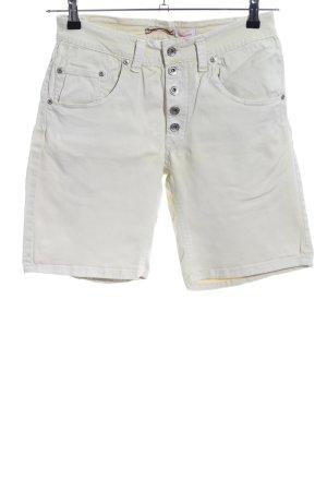 Please Shorts blanco puro look casual