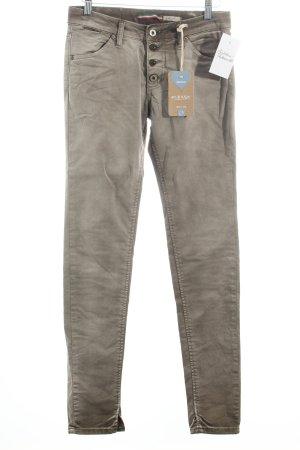 Please Skinny Jeans grüngrau Street-Fashion-Look
