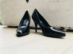 Pleasers Pumps