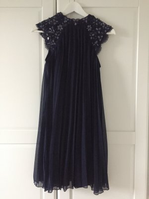 Plissee Kleid mit Pailletten