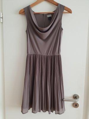 H&M Shortsleeve Dress grey brown