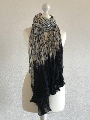 Plissierter Schal mit Muster