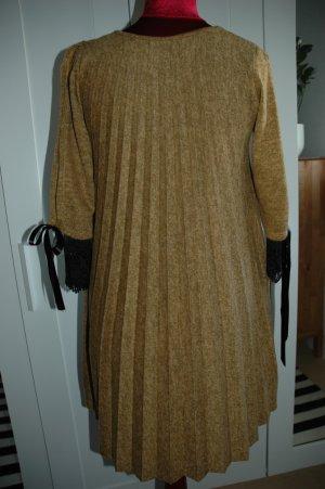 Plissiertes Kleid NEU
