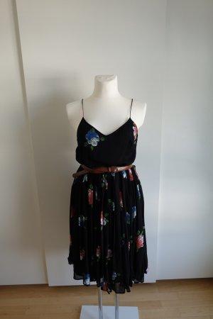 Plissiertes Midi-Kleid