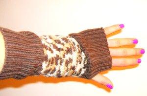 Plus/Minus Handstulpen Style Leo